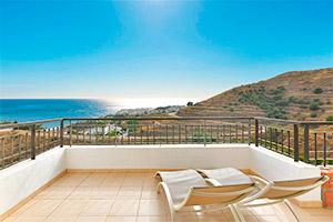 small-olee-holiday-rentals-apartamento-2-dormitorios-lateral-terraza-1
