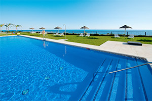 small-olee-holiday-rentals-piscina