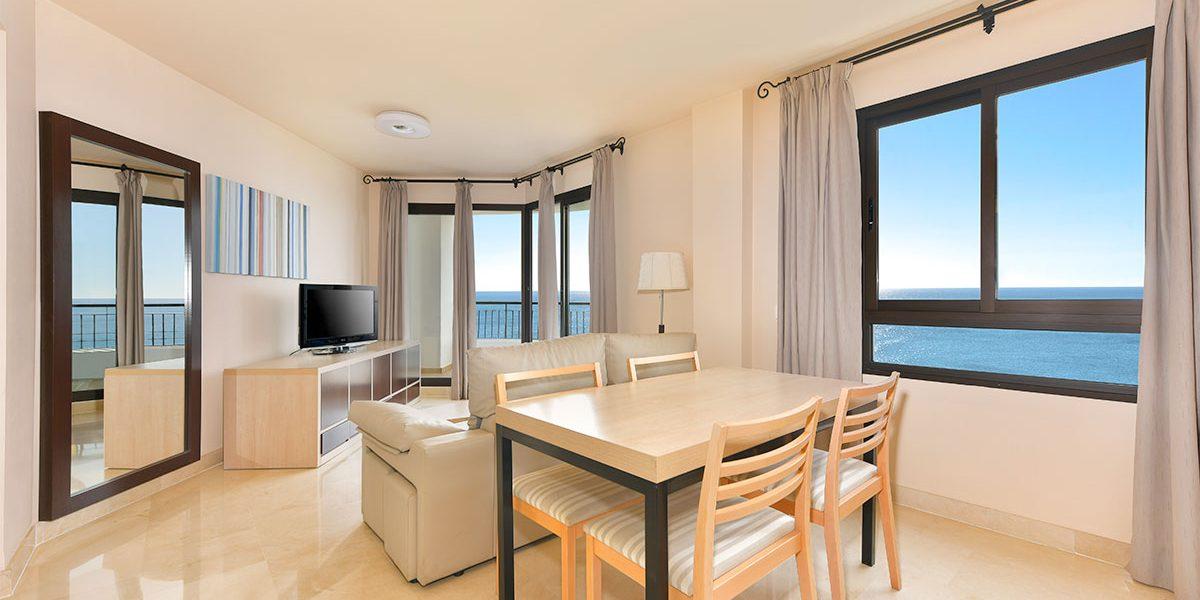 olee-holiday-rentals-apartamento-1-dormitorio-frontal-salon-1