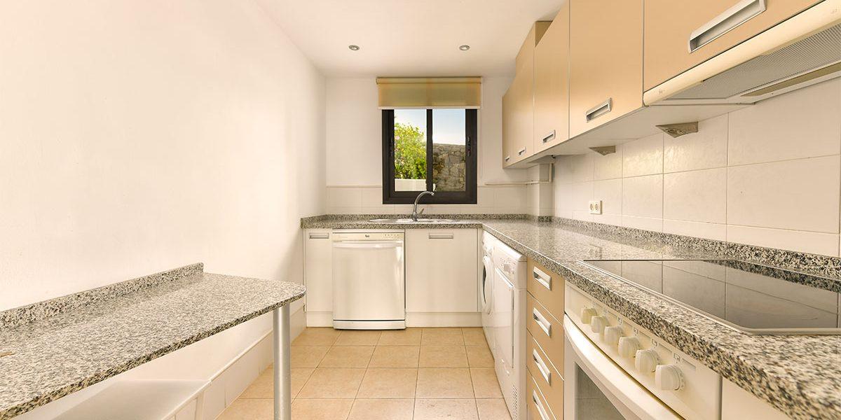 olee-holiday-rentals-apartamento-2-dormitorios-lateral-cocina-1