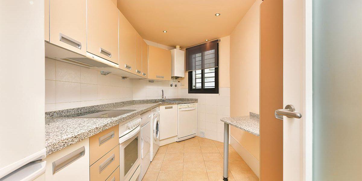 olee-holiday-rentals-apartamento-3-dormitorios-frontal-cocina-1